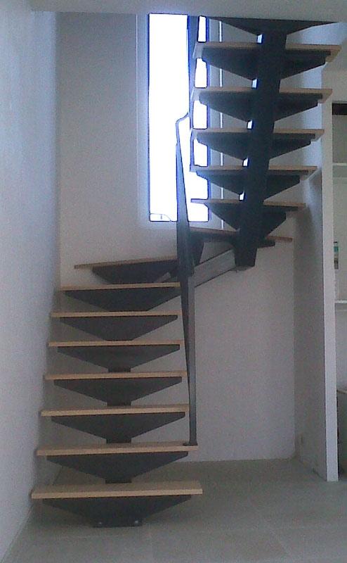 escalier metal 1 2 tourant garde corps deco mecametal. Black Bedroom Furniture Sets. Home Design Ideas