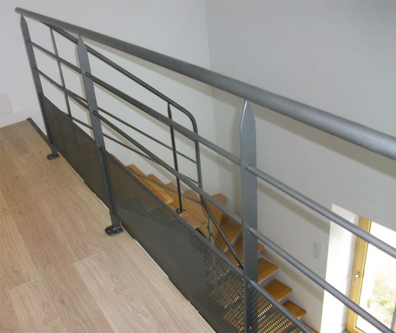 Escalier gris clair 100 images quelle couleur pour repeindre un escalier deco cool nos for Quelle couleur choisir pour peindre un escalier en bois