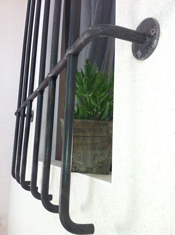 grille de fenêtre en acier brut en Vendée