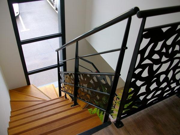 Escalier 2 4 tournant garde corps d co mecametal for Peinture escalier vitrifie