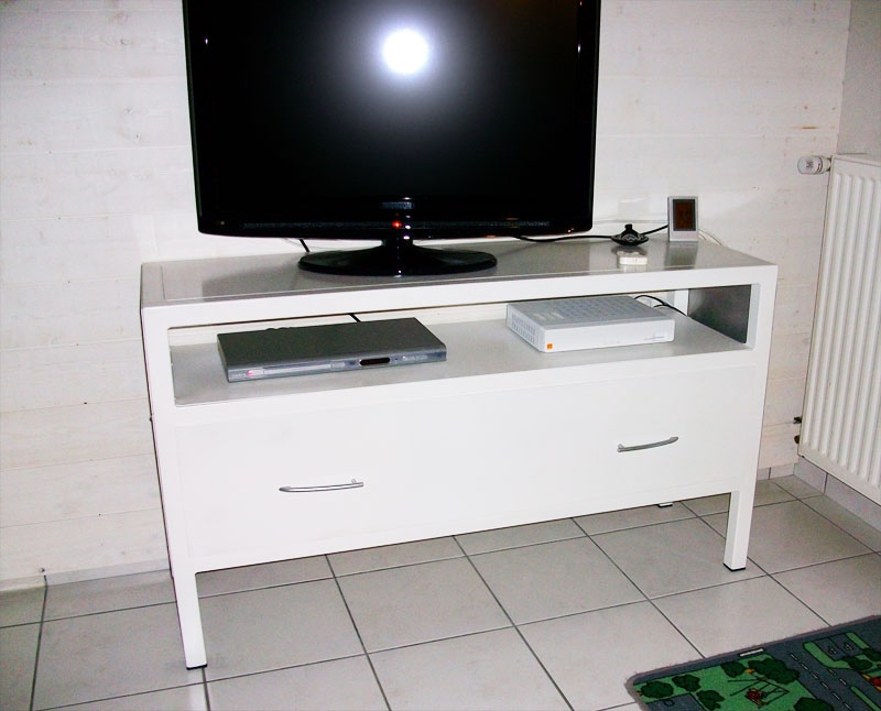 meuble tv m tallique sur mesure mecametal. Black Bedroom Furniture Sets. Home Design Ideas