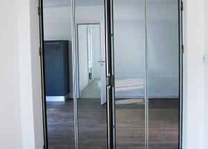 Porte style verrière indus en métal et vitrée sur mesure dans le 85