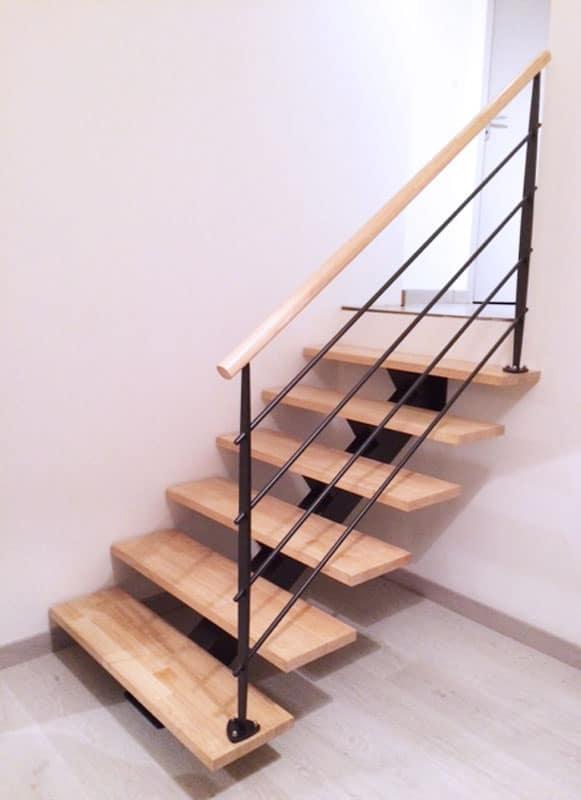 escalier demi tage sur mesure en m tal mecametal. Black Bedroom Furniture Sets. Home Design Ideas