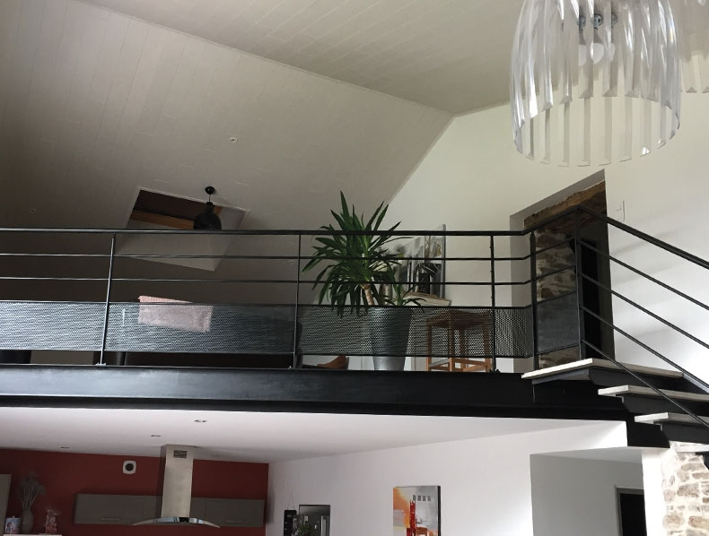 Escalier en métal et bois tendance en Vendée