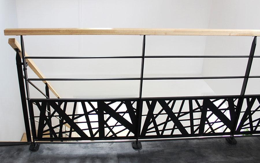 garde-corps-escalier-tendance-metal-bois-vendee-loire-atlantique
