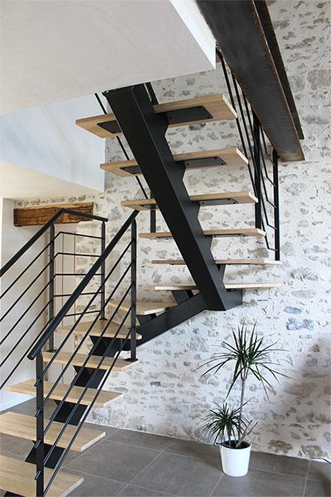 escalier-2-4-tournant-metal-bois-clair-vendee