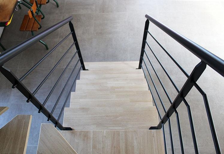 escalier-2-4-tournant-metal-bois-tendance-vendee