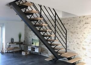 Escalier métal et bois double sorties