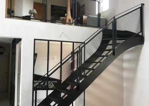 Escalier, garde-corps et verrière métal pour mezzanine