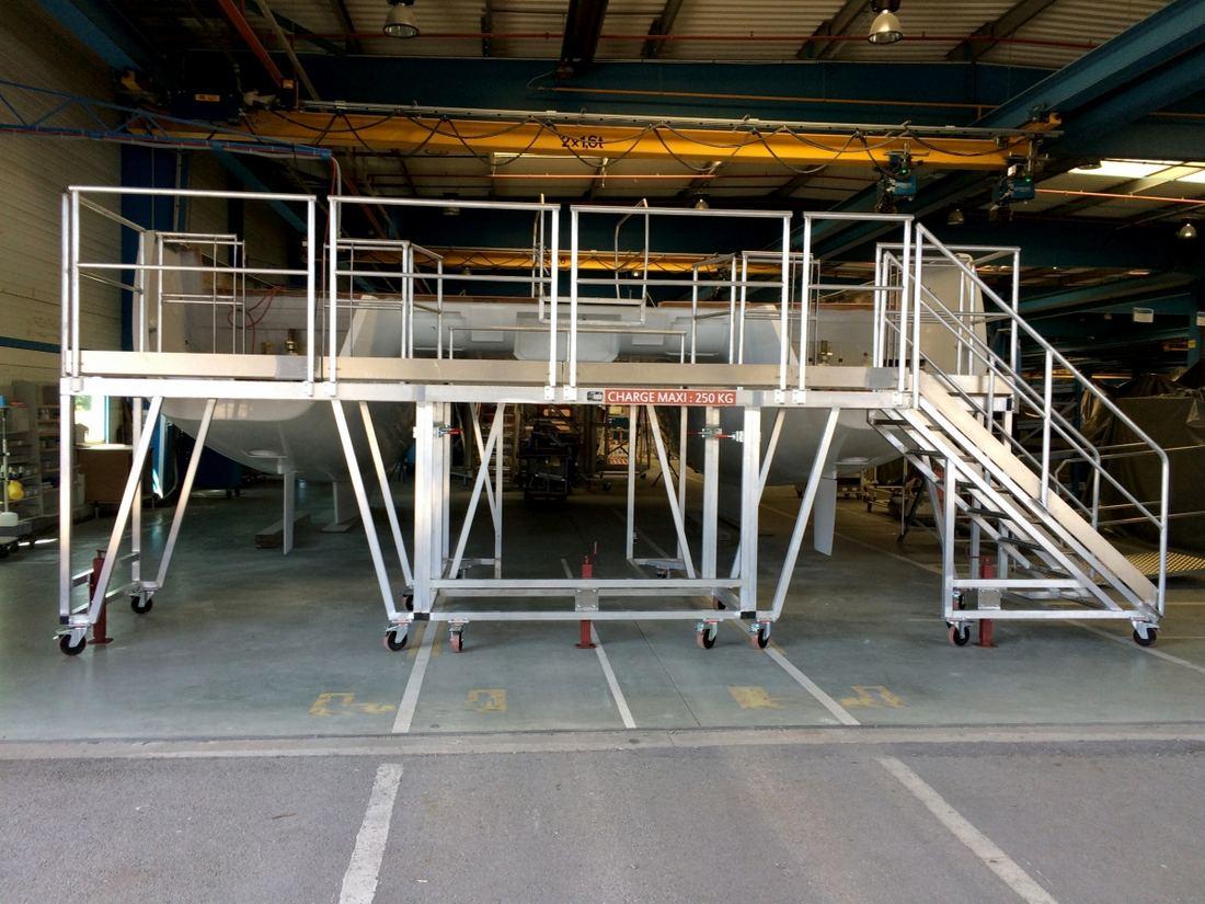 plateforme en aluminium - aménagement de poste pour l'industrie nautique